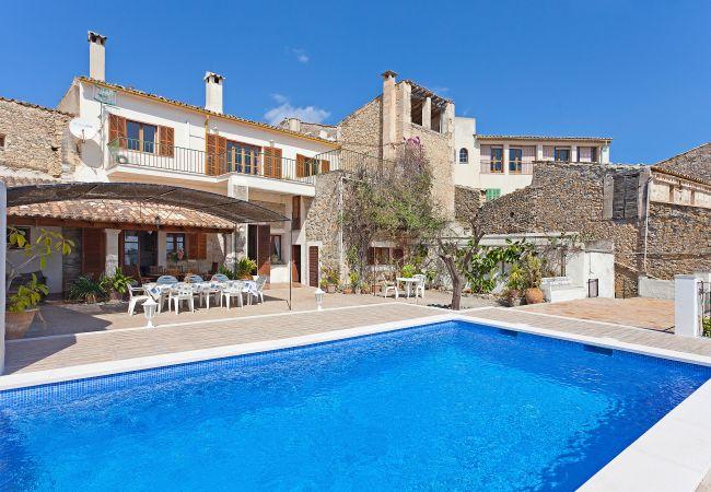 en Selva - Can Rafael - con piscina privada